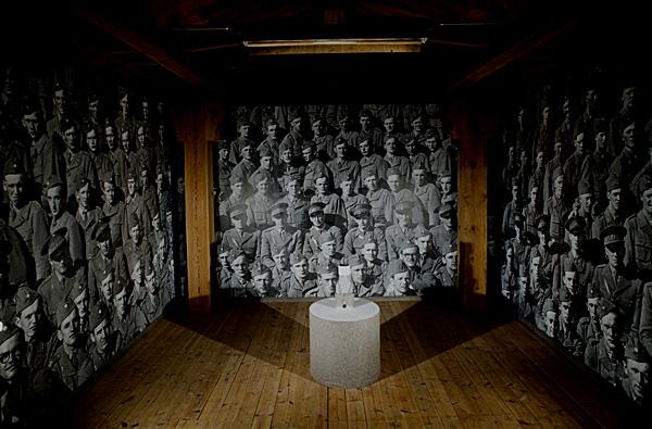 """Pappa ! Var är du?"""" - titeln på det verk jag deltog med i Havremagasinet i Boden 2010 där temarubriken löd """"Ryssen kommer"""". Om rädsla, främlingsskap och konsten som fredsbevarare. Foto: Anders Alm."""